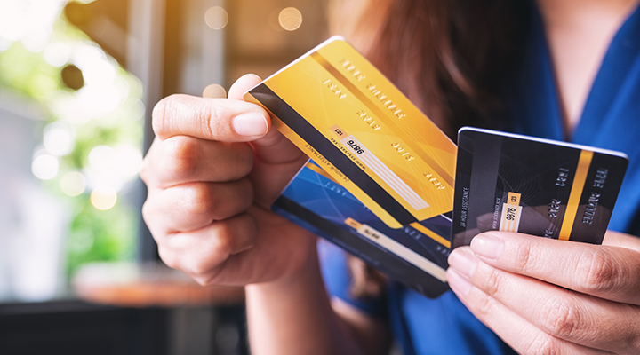 Credit Card vs. Debit Card- What's the Difference?